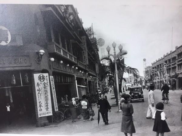 昭和時期的椰子樹及水銀燈,是老一輩台南人對林百貨的記憶之一