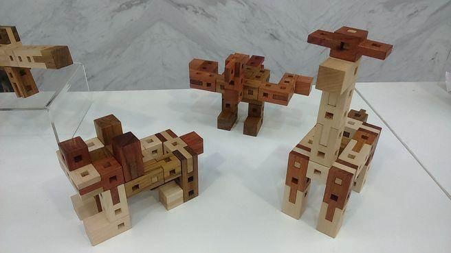 台灣設計師創作的木積木,備受好評